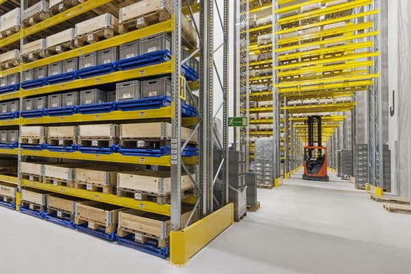 wide aisle racking from elev8